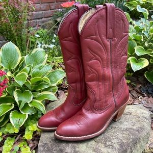 Frye Vintage Red Heeled Boots Size 7B